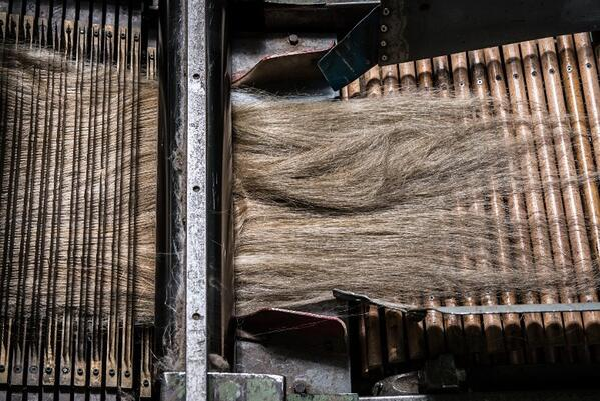 combining flax fibers